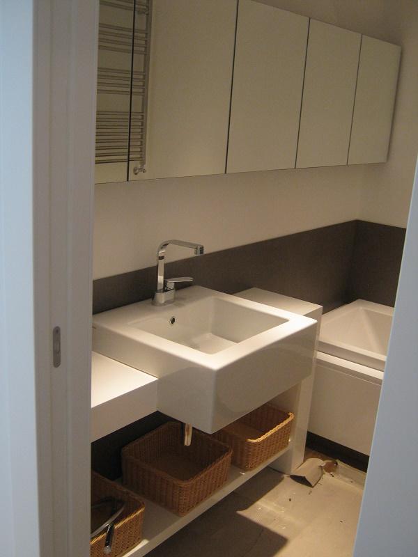 bagno in corian bagno corian country lucido parquette rovere